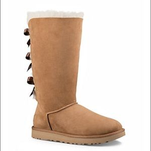 Ugg boots with bows on the back